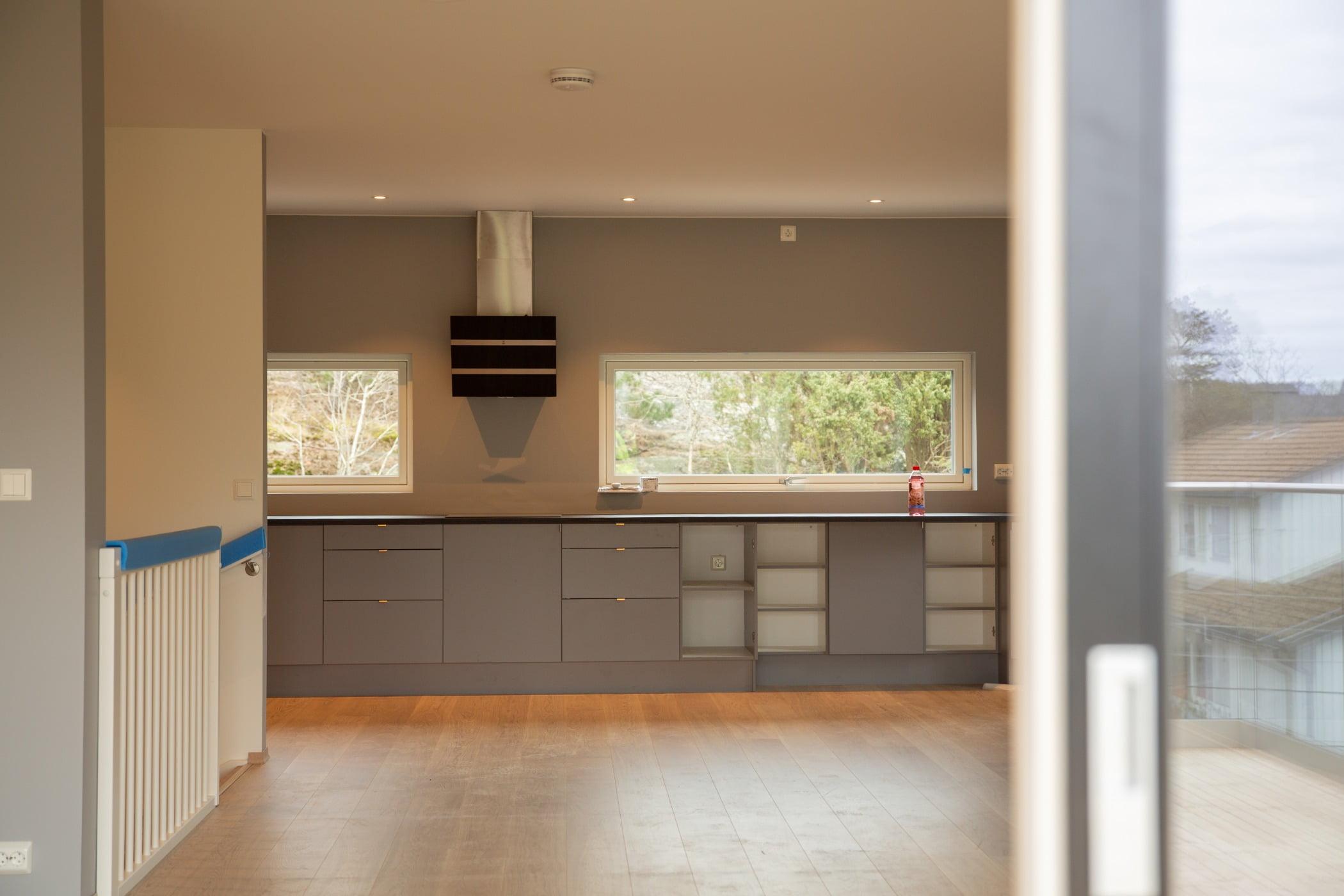 Cabinetry, Building, Fixture, Wood, Window, Flooring, Countertop, Floor, Shade, Wall