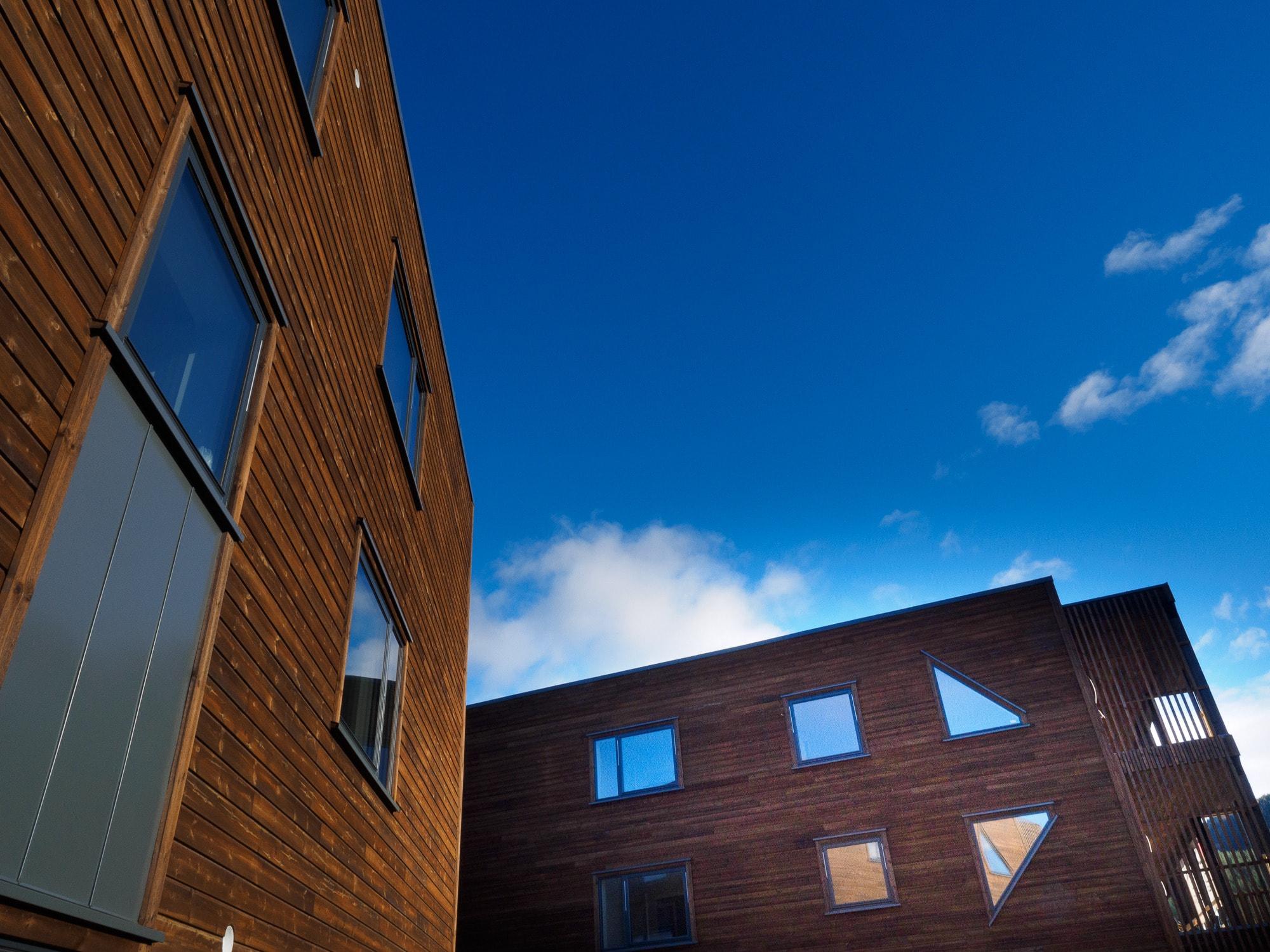 Urban area, Cloud, Facade, House, Building, Daytime, Architecture, Sky, Blue