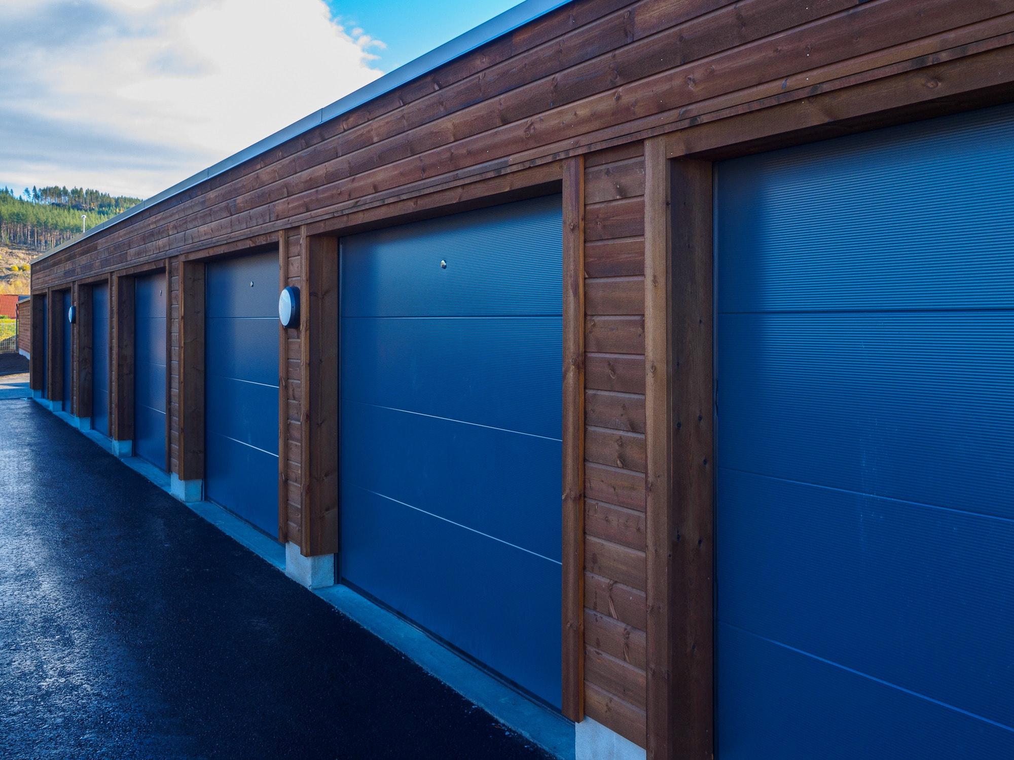 Door, Blue