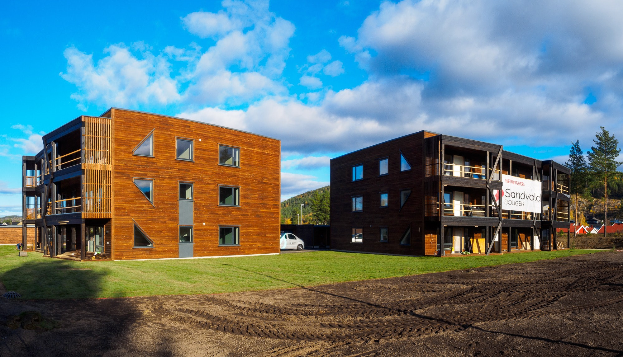 Residential area, Mixed-use, House, Building, Property, Sky, Architecture