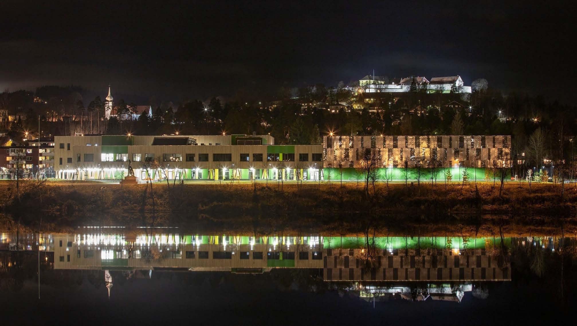 Human settlement, Urban area, Reflection, Sky, City, Light, Water, Night