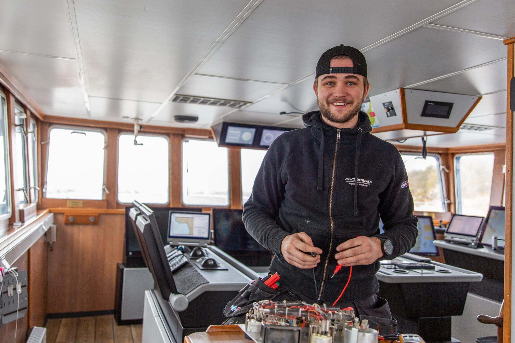 Naval architecture, Smile, Boat