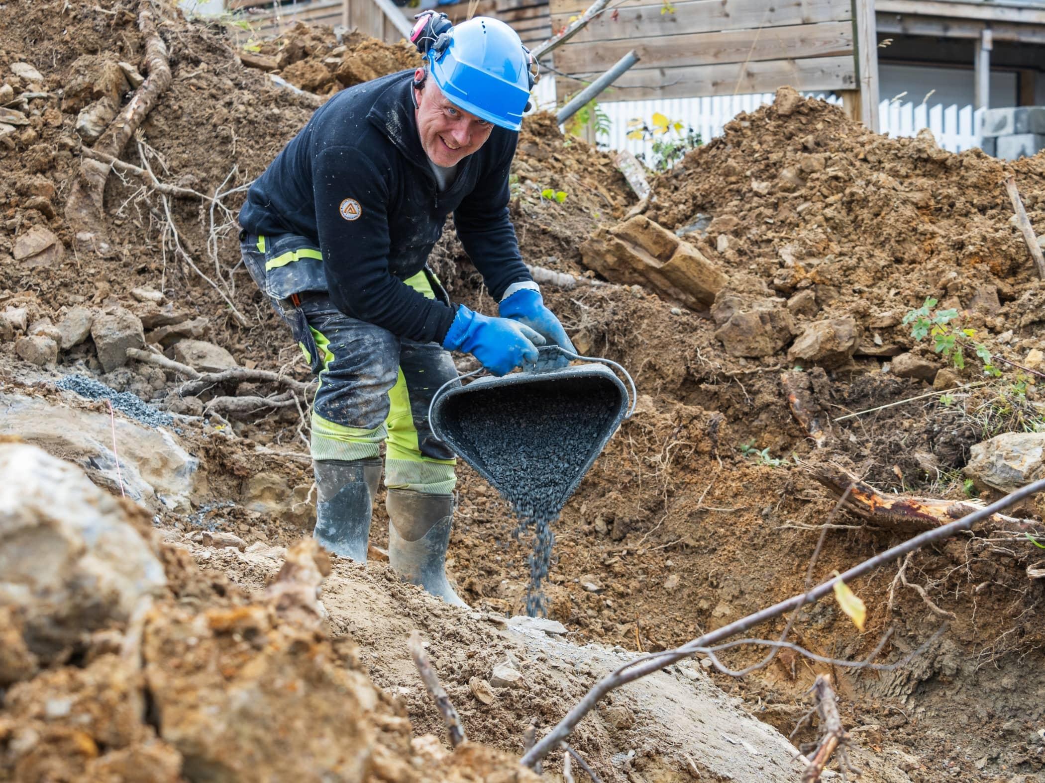 Geological phenomenon, Blue-collar worker, Soil