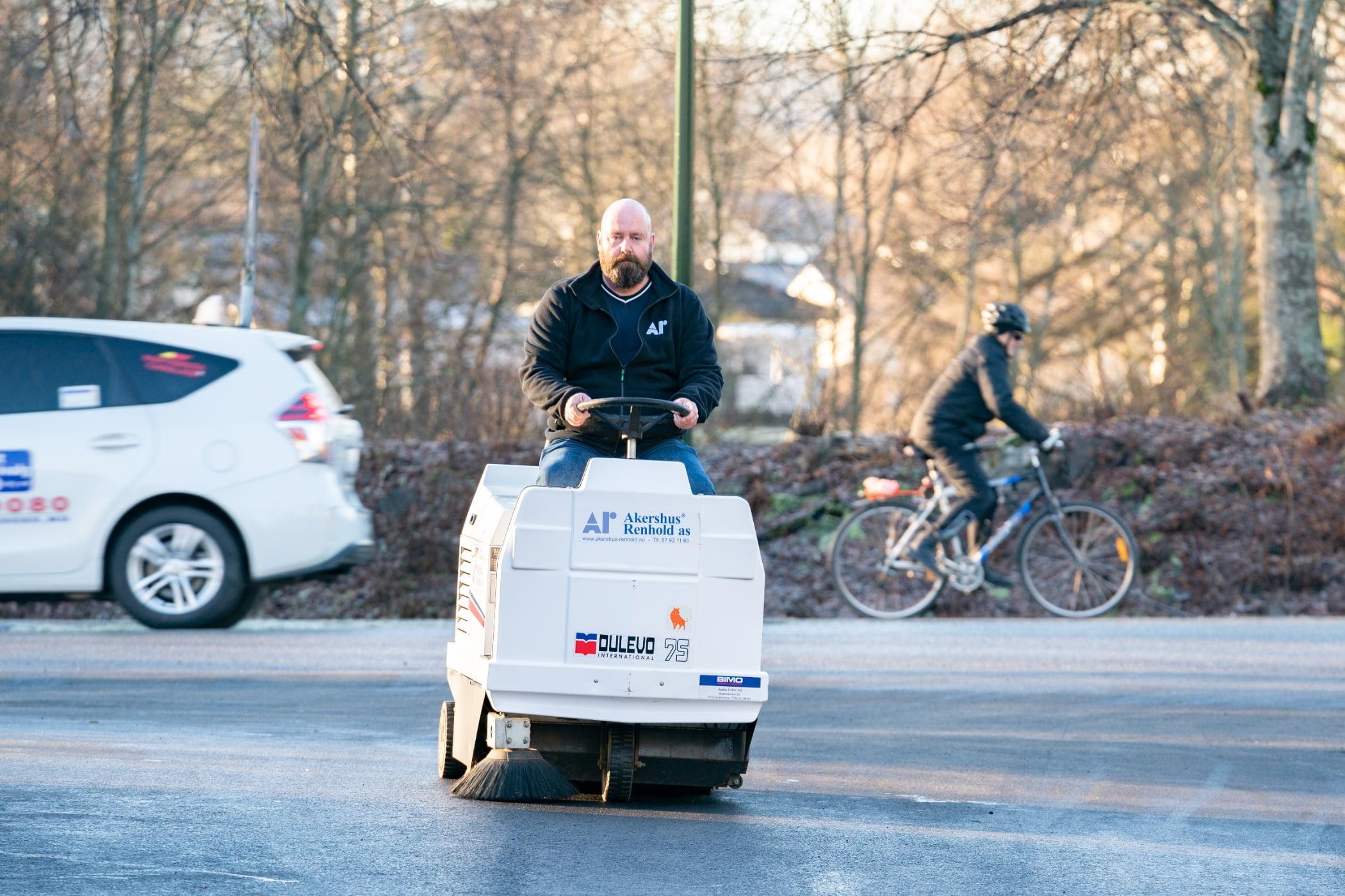 Mode of transport, Motor vehicle, Winter, Lane, Cycling, Bicycle
