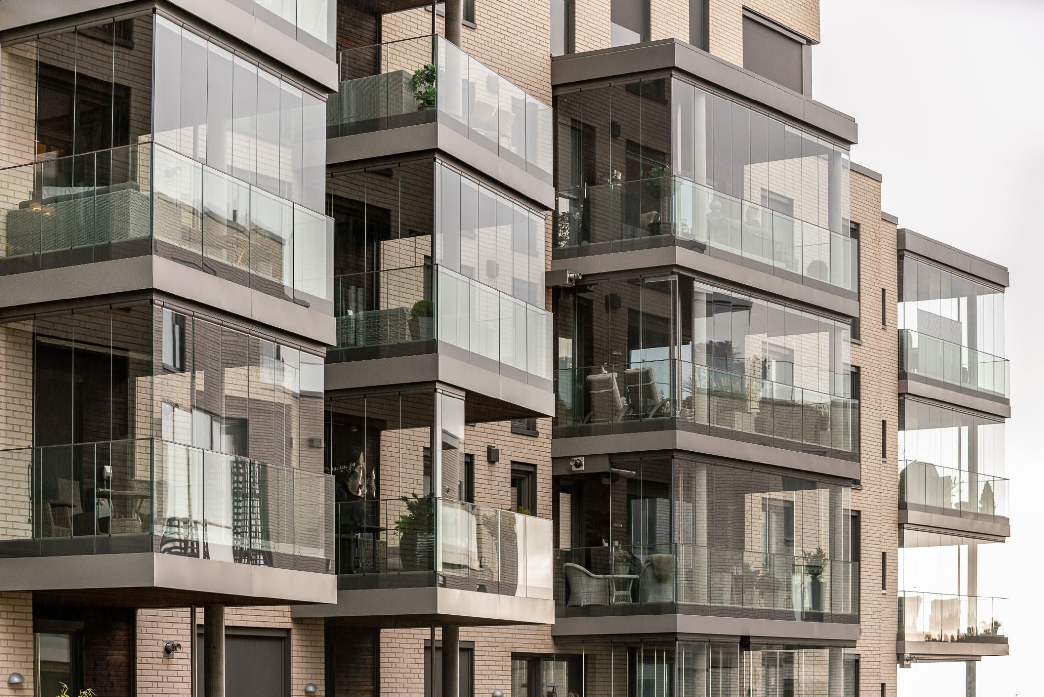 Tower block, Urban design, Residential area, Material property, Building, Condominium, Neighbourhood