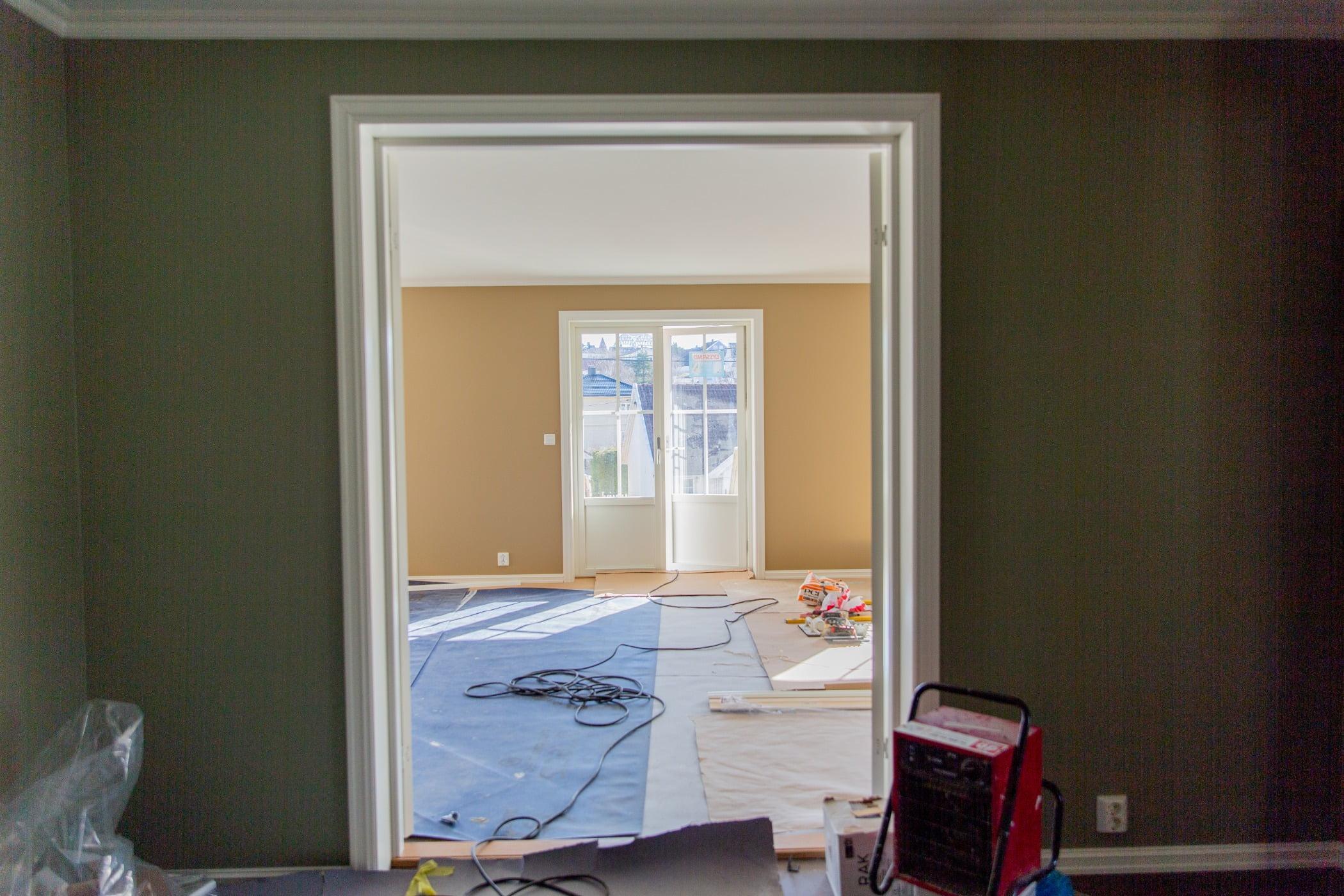 Interior design, Building, Wood, Shade, Floor, Flooring, Fixture