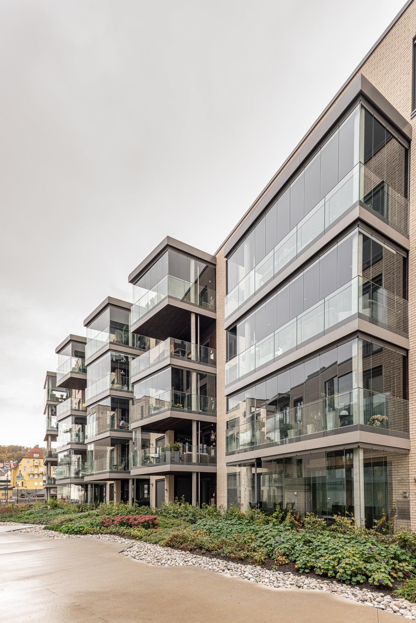 Urban design, Tower block, Residential area, Sky, Building, Property, Plant, Condominium
