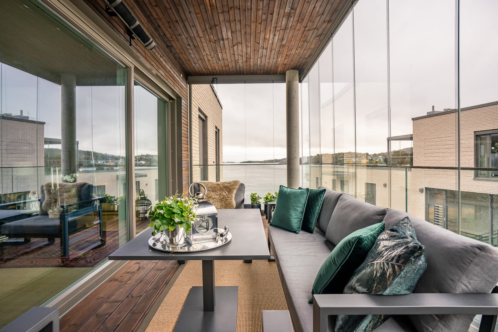 Furniture, Sky, Property, Couch, Building, Table, Flowerpot, Plant, Comfort, Wood