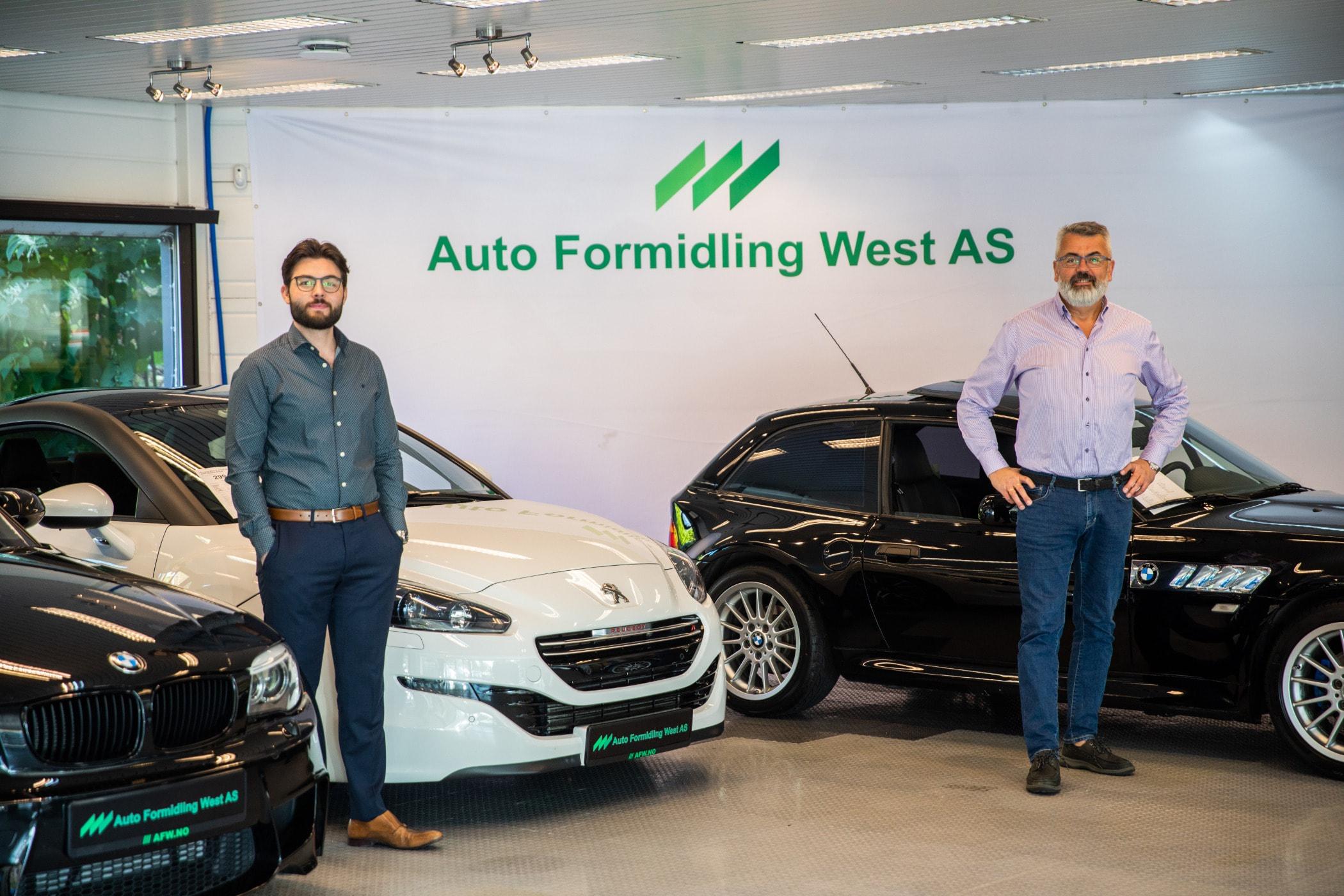 Personal luxury car, Auto show, Automotive design, Land vehicle