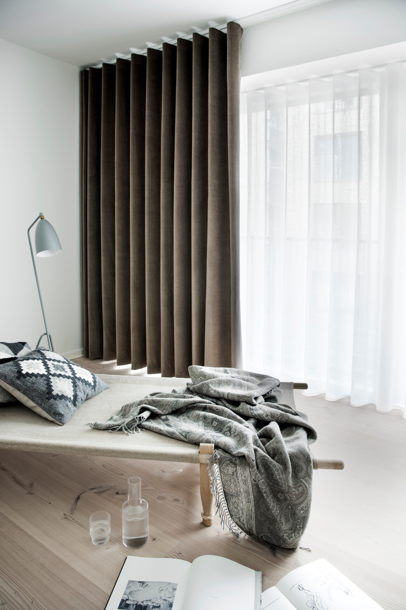 Window covering, Bed sheet, Interior design, Property, Furniture, Curtain, Room, Bedroom