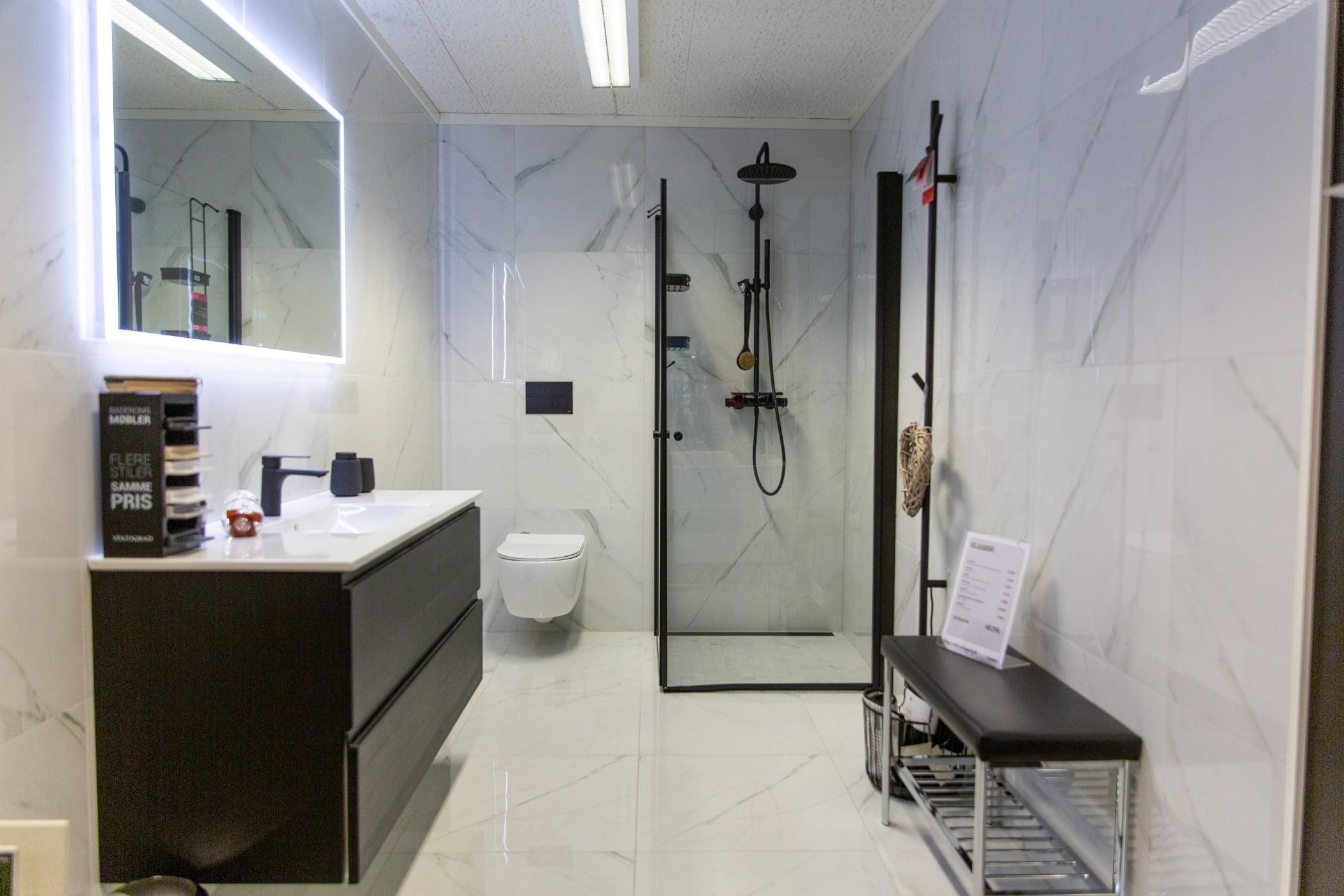 Interior design, Shower panel, Property, Tire, Building, Floor, Fixture, Door, Flooring, House