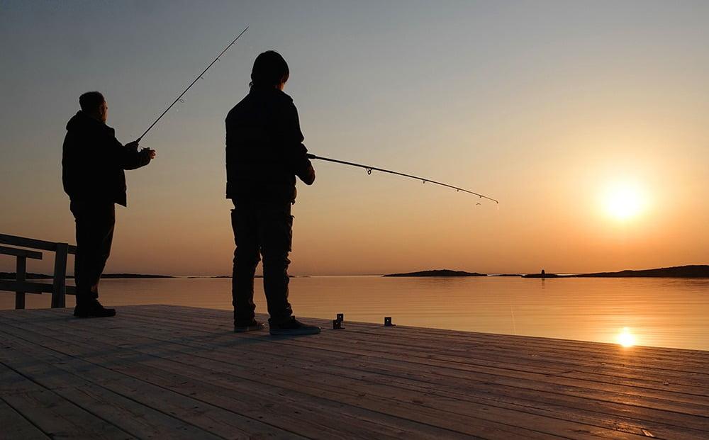 People in nature, Casting fishing, Rock fishing, Sky, Water, Angling, Cloud, Fisherman, Beach