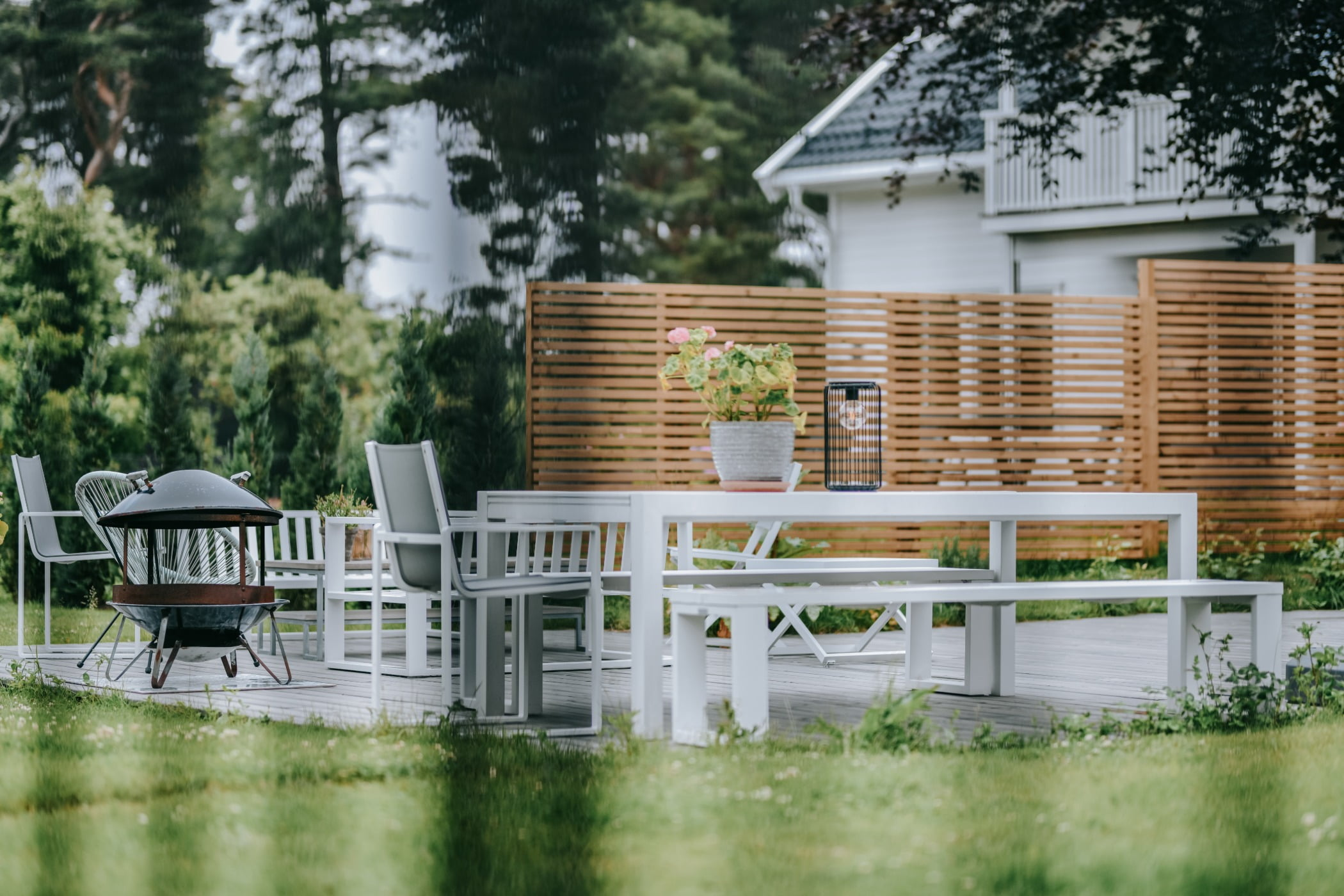 Outdoor table, Plant, Property, Building, Furniture, Chair, Tree, Architecture