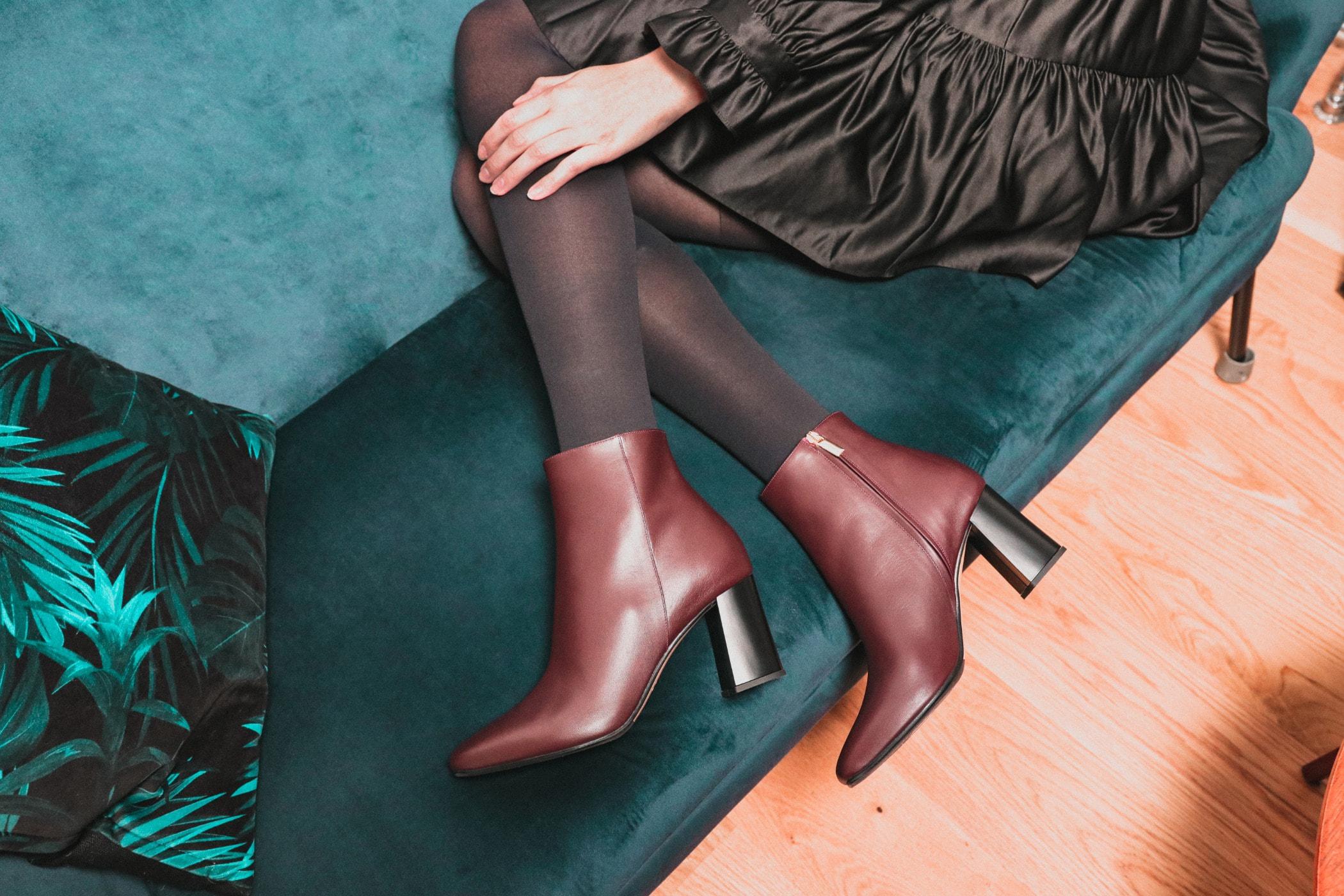 High heels, Human leg, Joint, Brown, Shoe, Foot, Ankle, Thigh, Footwear