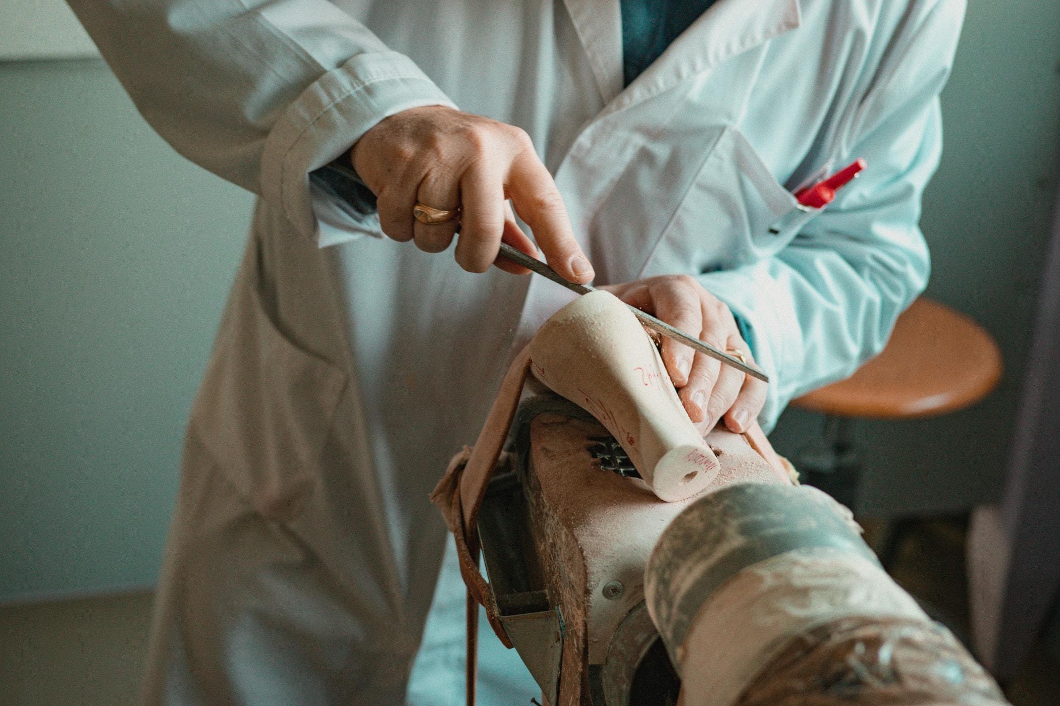 Medical procedure, Arm, Hand