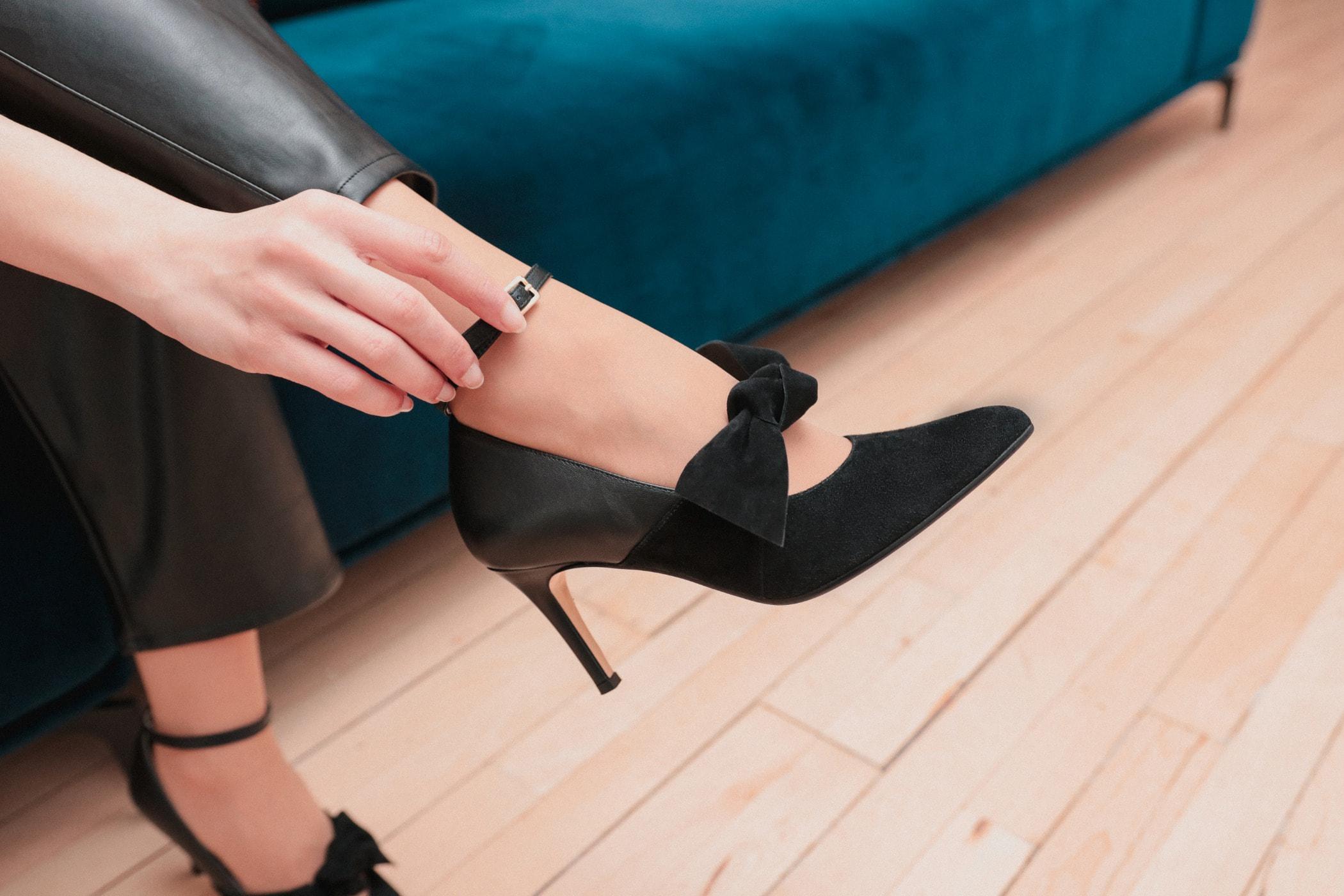 Human leg, High heels, Thigh, Joint, Foot, Shoe, Ankle, Black, Footwear