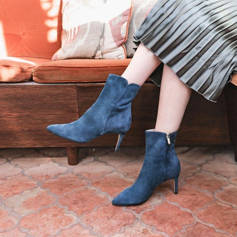 Knee-high boot, Human leg, Shoe, Calf, Ankle, Joint, Thigh, Footwear