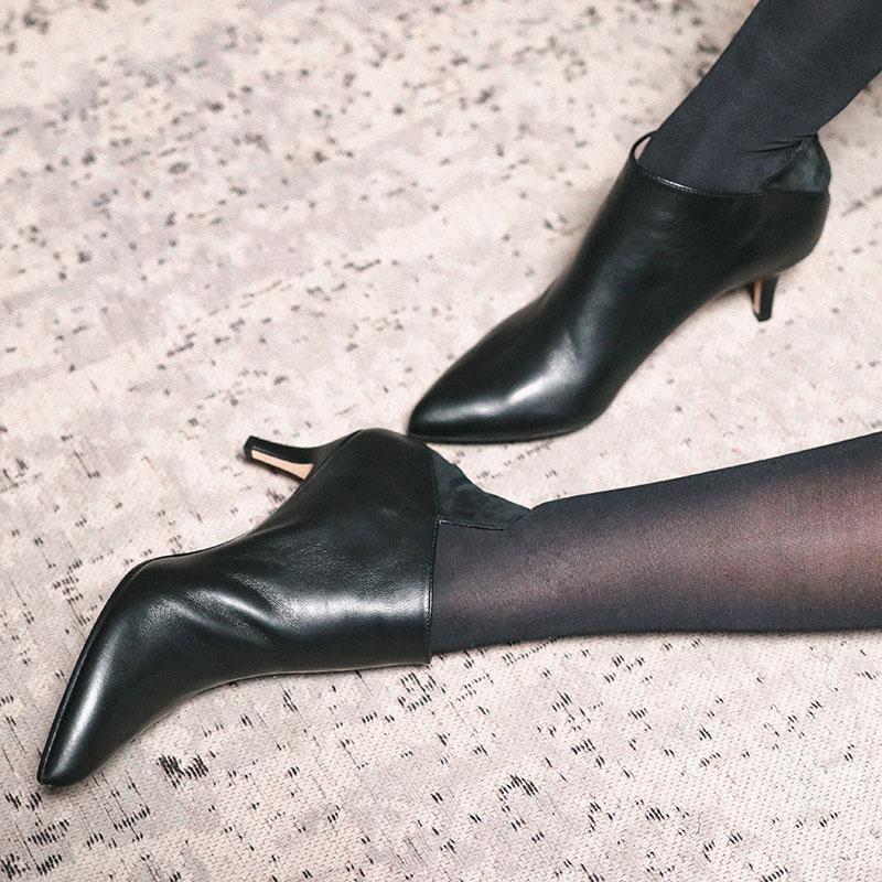 Knee-high boot, High heels, Shoe, Leg, Footwear