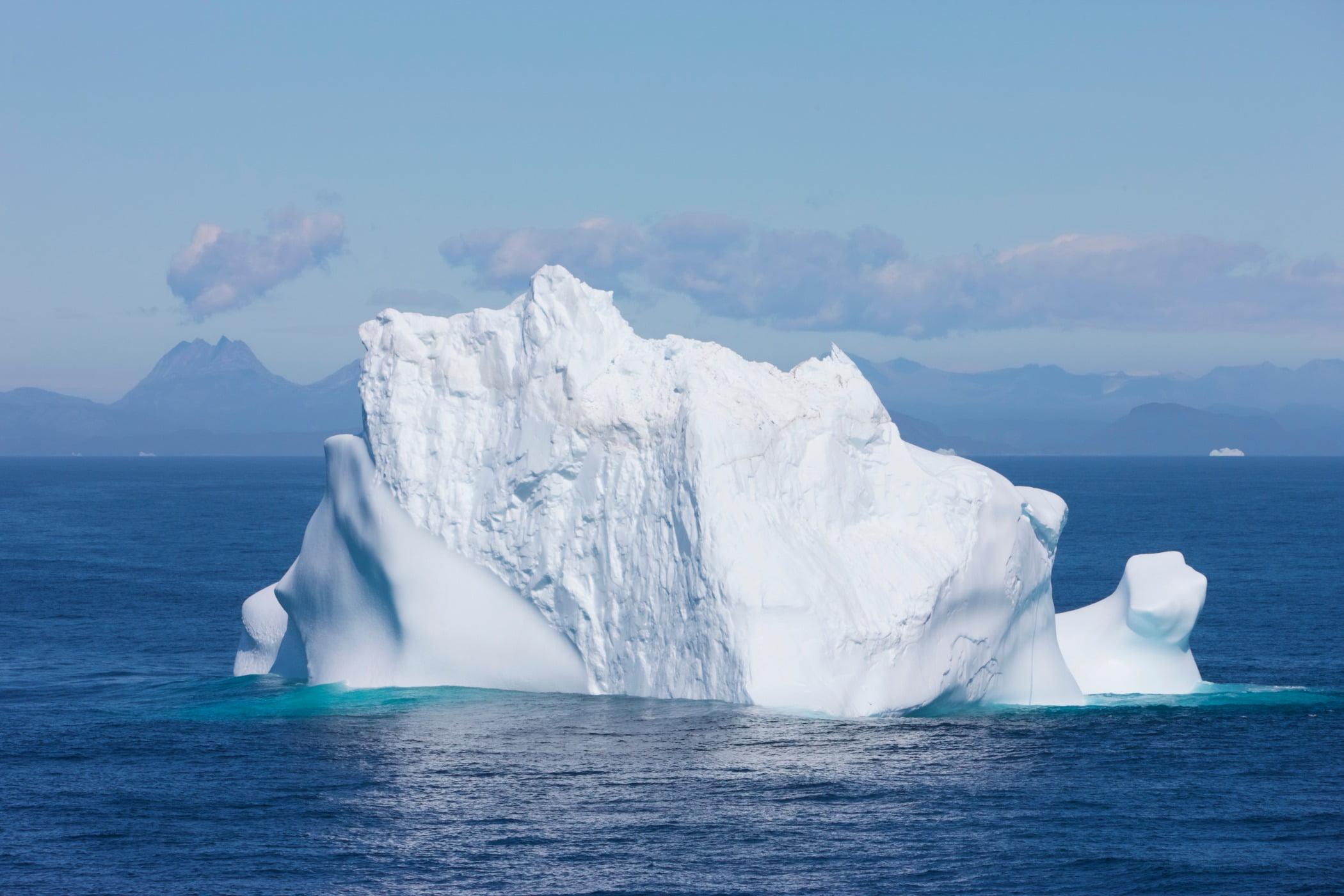Water resources, Natural landscape, Sea ice, Sky, Liquid, Snow, Fluid, Cloud