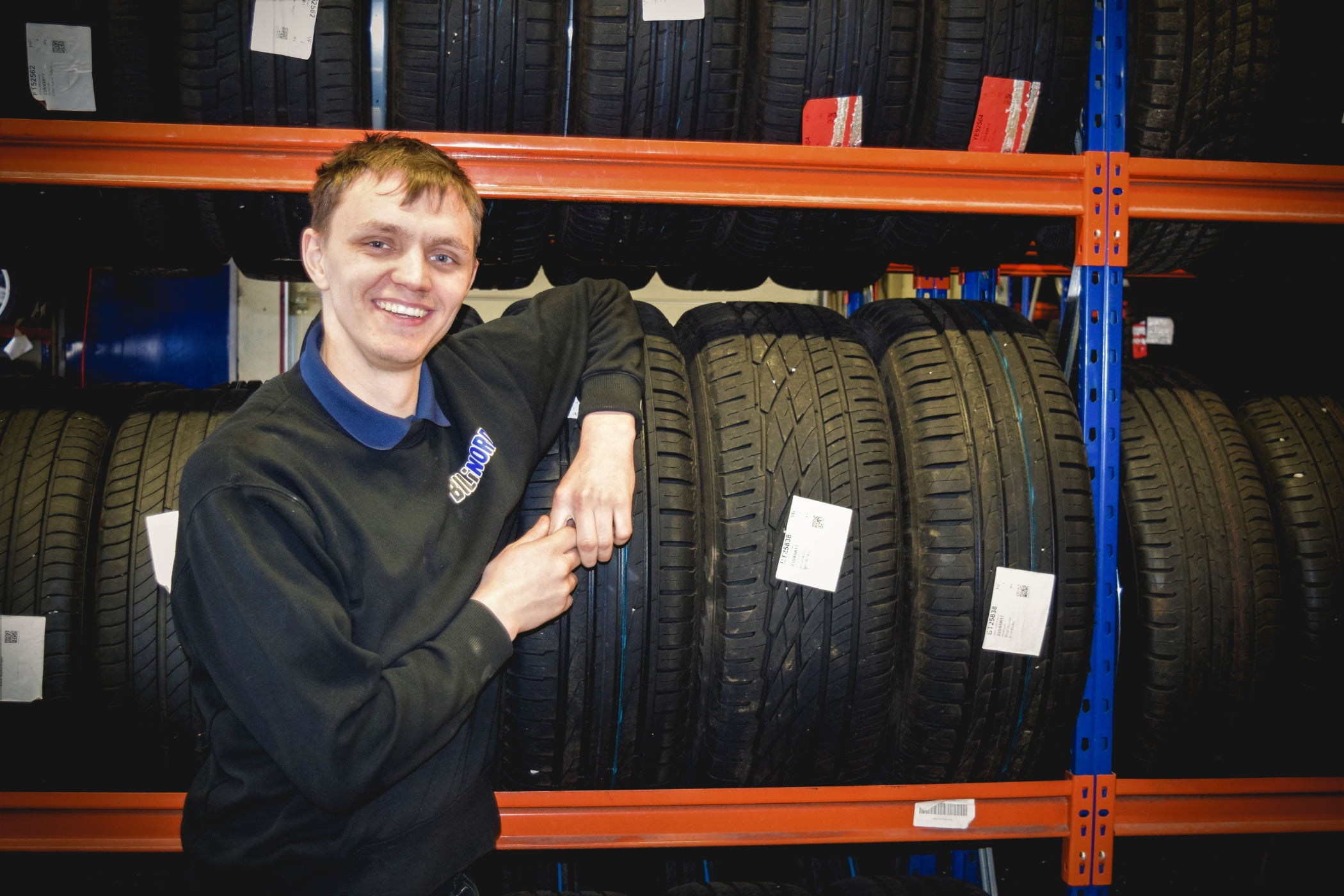 Automotive tire, Synthetic rubber, Motor vehicle, Wheel, Smile, Tread