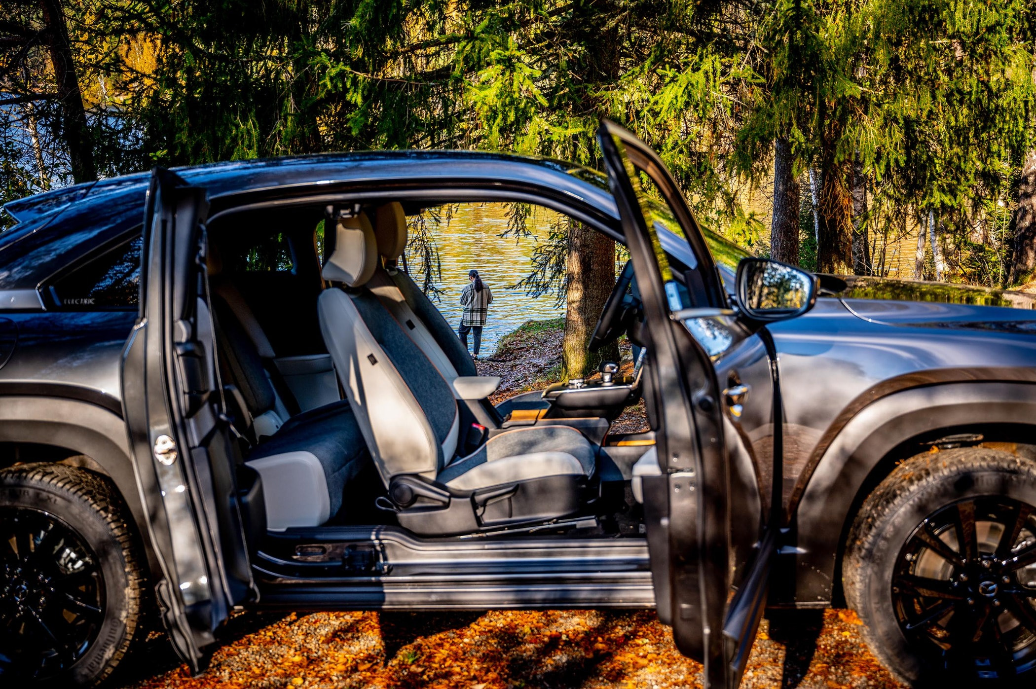 Automotive exterior, Land vehicle, Tire, Car